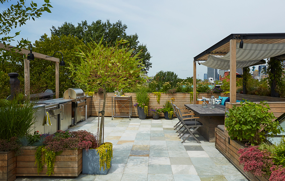 Lbr home brooklyn heights roof deck garden kitchen for Garden design brooklyn