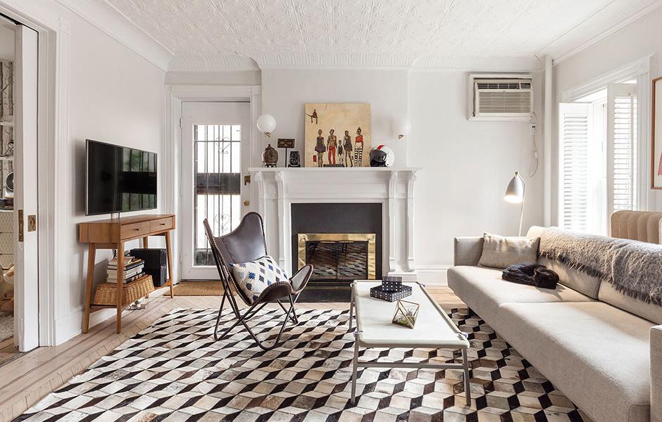 Laurie-Blumenfeld-Design-Brooklyn-Heights-Garden-Apartment-Living-Room-featured